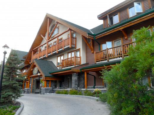 Spruce Grove Inn Exterior