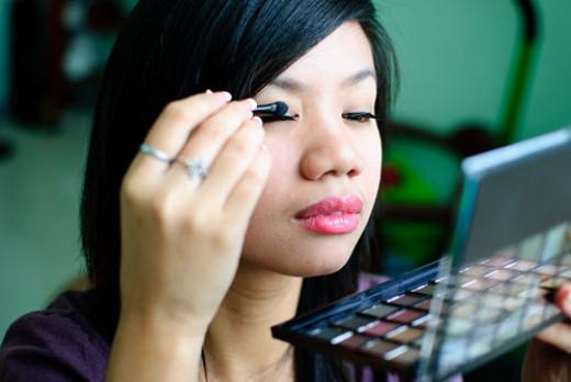 Choose organic makeup.