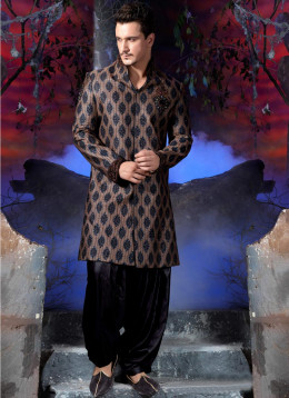 Handloom Banarasi Jamewar Indo Western Sherwani. Photo courtesy of Cbazaar.com.