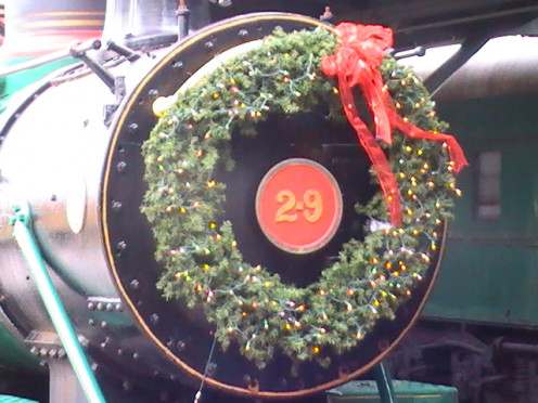 Train at the Chattanooga Choo Choo decked out in Holiday splendor. Credit: Brad Snoke
