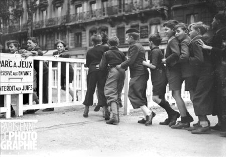 Paris, November 1942. Public children playground, no Jewish children allowed! Copyright LAPI/Roger-Viollet.