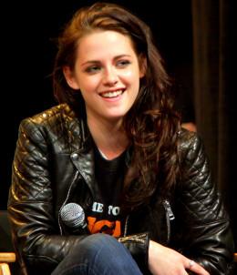 Kristen Stewart portrays protagonist Bella Swan