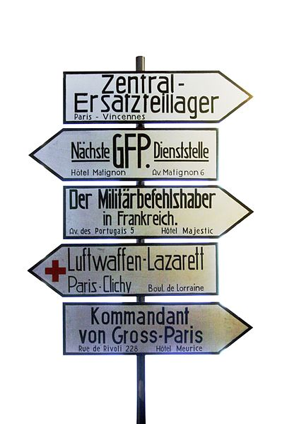German streetsigns in Paris