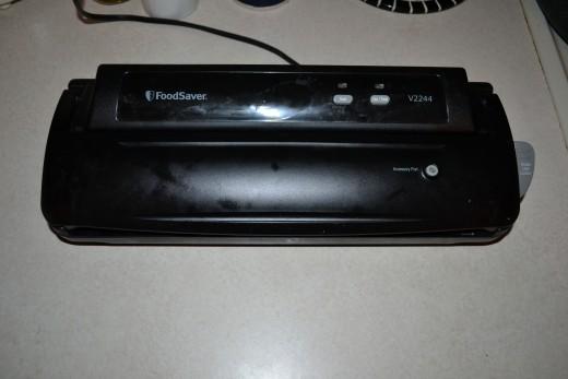 The Foodsaver 2200 Series Vacuum Sealer