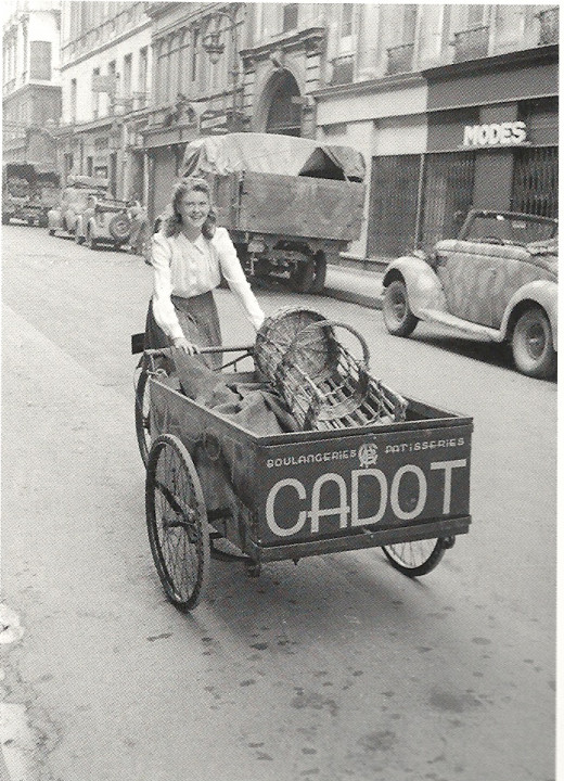 Paris 1943 - Bread delivery