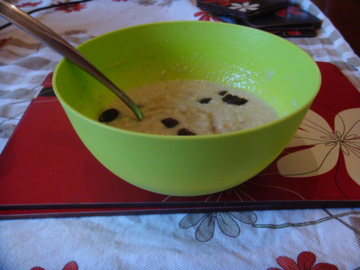 Porridge with Raisins and Honey