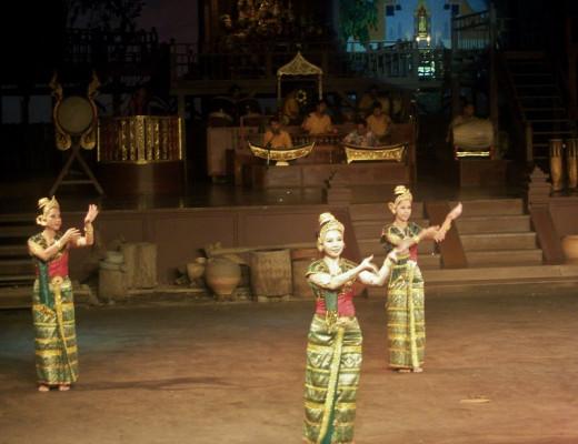 Sukothai Dance