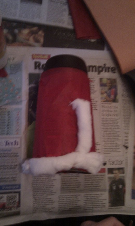 Make the coat of the Father Christmas