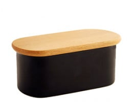 Butter dish in black with a beech lid