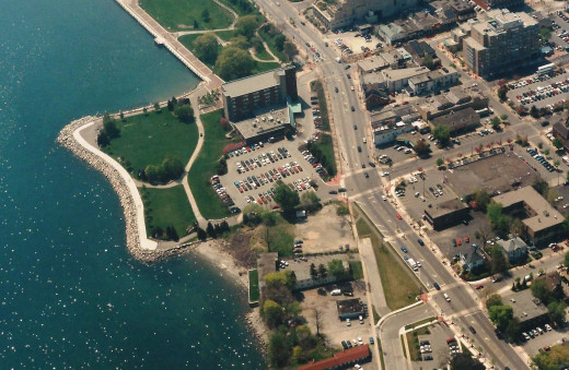 Burlington Waterfront from Brant St. (top right & under construction) to Pearl St. (bottom right) on May 6, 1998.