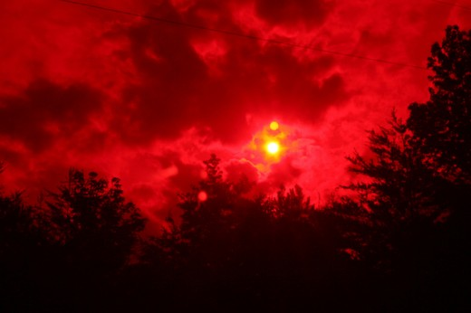 Using a red filter floppy disk film this photographer was able to capture a great picture of Nibiru Planet X.
