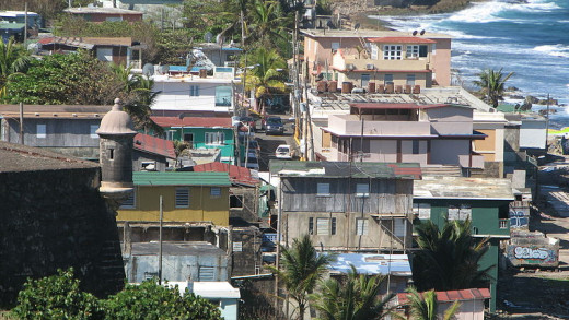 This photograph of the La Perla slum neighborhood was taken from Castillo de San Cristiobal by JohnnyGo on December 27, 2011.