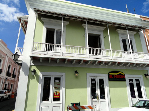 This building in Old San Juan was photographed by Daderot on October 22, 2011.