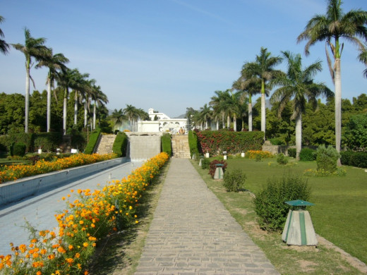 Pinjore Gardens located in the village of Pinjore lie 22 km from Chandigarh is one of the  important tourist attraction that one can visit when on a holiday to this city . Nawab Fadai Khan, a great architect and foster brother of the Mughal emperor A