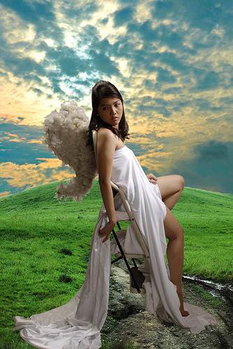 earth angel from roycieposie Source: flickr.com