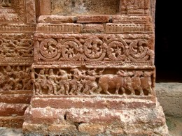 Intricate design at the base of a pillar