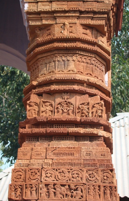 Intricate design on a pillar