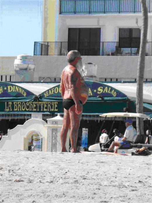 A man suspiciously like Santa Claus holidaying in Ibiza?