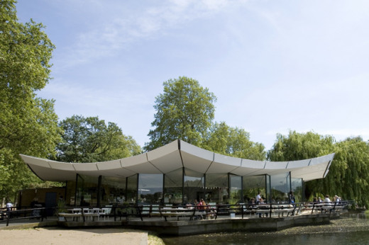 Patrick Gwynne's iconic building on the eastern edge of the Serpentine in Hyde Park houses the Serpentine bar & kitchen. Inspired by English country living the restaurant aims to be a retreat for both Londoners and visitors alike.