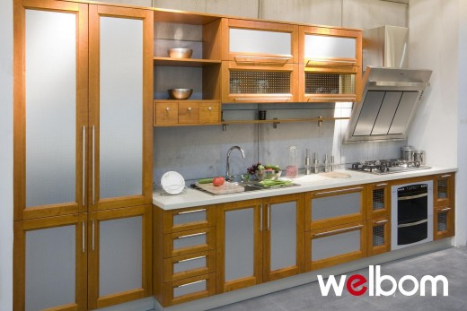 Wooden Kitchen Cabinets vs PVC Kitchen Cabinets