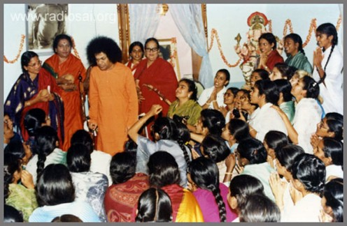 The wonderful time when Swami visited the girls' hostel at Anantapur.