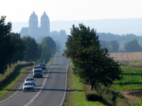 Silhouette of Noyon Cathedral seen from the Roye road