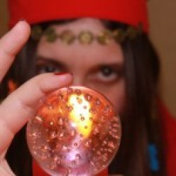 Horoscope Review: AskNow.com, Most Pathetic Phone Psychic Reading Ever