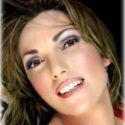 Laura Lyndsey profile image
