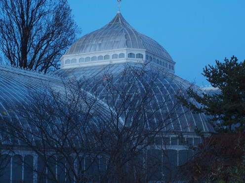 Phipps Conservatory and Botanical Gardens at dusk.