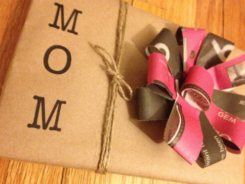 Make your own newspaper bows to add a personal touch to every present.