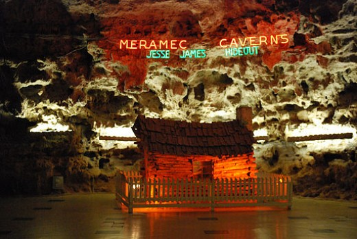 Meramec Caverns - Jesse James Hideout