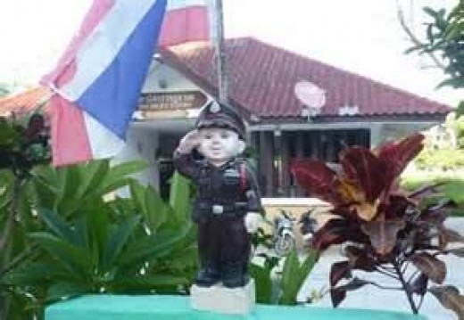 Mini Police Station in Thailand. Why not in  our schools?