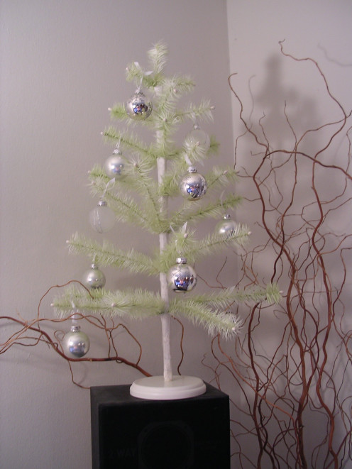 A Reproduction of a Feather Christmas Tree