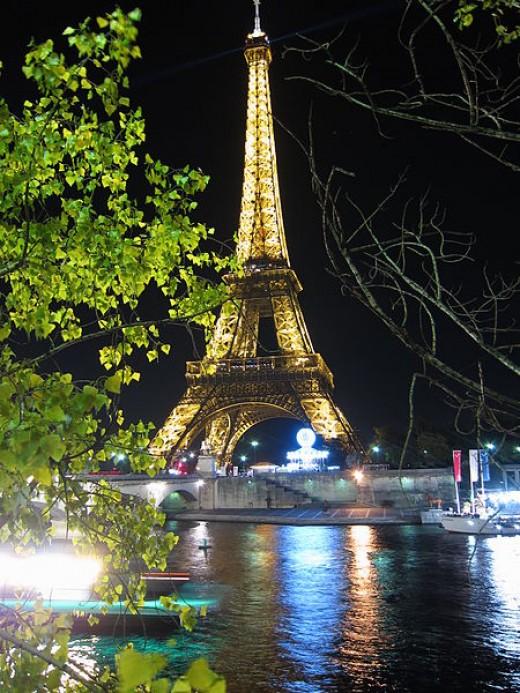 Paris. The Eiffel tower at night