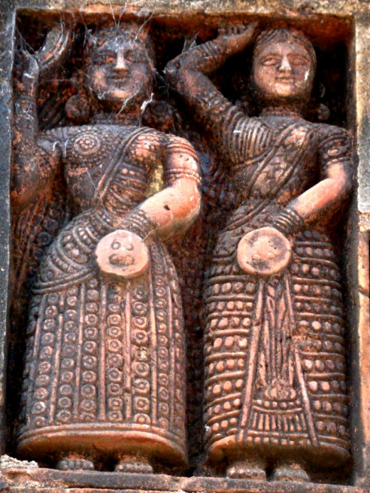 Two female guards with sword & shield, Bonkati