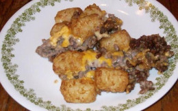 Here's another recipe for a delicious Tater Tot Casserole that's easy to make and oh so delicious.