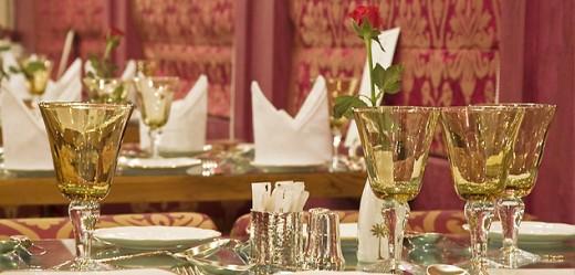 Sheesh Mahal Dining Car - Royal Rajastan on Wheels