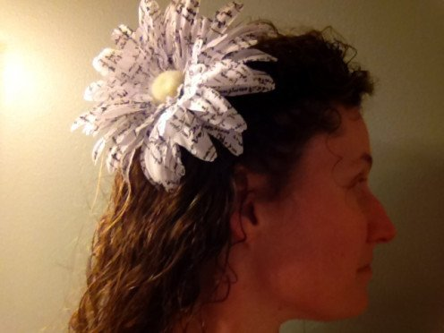 See how a large fascinator looks overwhelming when you wear your hair down.