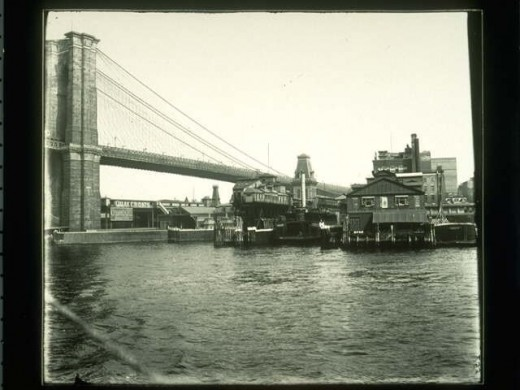 Fulton Ferry and the Brooklyn terminal of the Brooklyn Bridge. From 1905 ca.