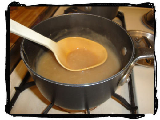 Finished gravy. Here you can see the gravy has a nice light brown color. The lighter the gravy, the more mild the flavor. The darker it is, the stronger it is. The strength of the flavor depends on how much bouillon is used.