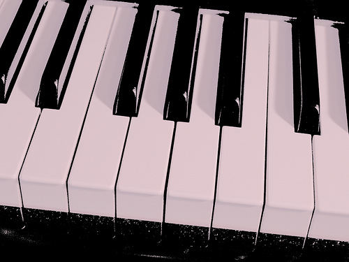 Black and white piano keys from EggBeat.com Source: flickr.com
