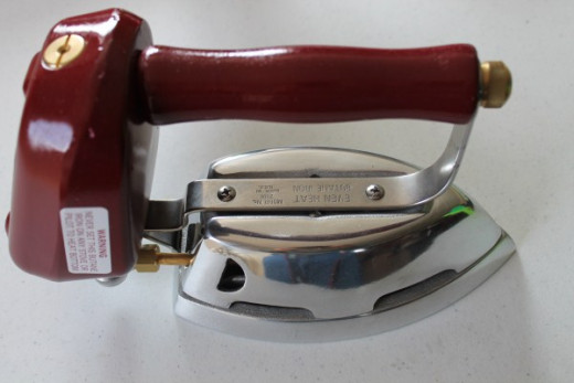 Reproduction Butane Clothes Iron