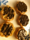 "Easy Chocolate ""Covered"" Peanut Butter Crackers"