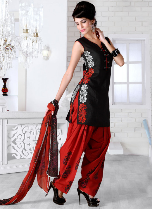 Gorgeous Black Patiala Suit. Photo courtesy of Cbazaar.
