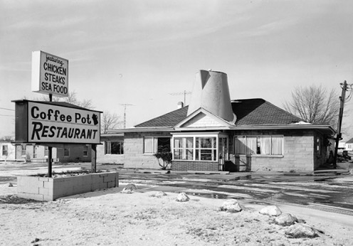 This is the Coffee Pot Restaurant, which burned to the ground a few days after Thanksgiving in 1991. It was one of several dining places called the Coffee Pot in Indiana since the 1920s.