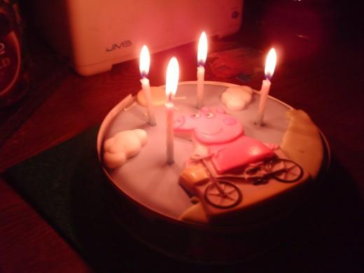 PEppa Pig da da da da da da oink!  It's my birthday george so get off my cake....Waaaahhhhhhhh!
