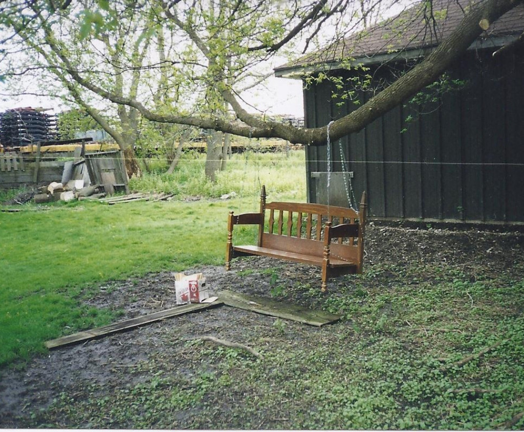 Phenomenal Diy Transform A Bed To An Outdoor Swing Bench Hubpages Pdpeps Interior Chair Design Pdpepsorg