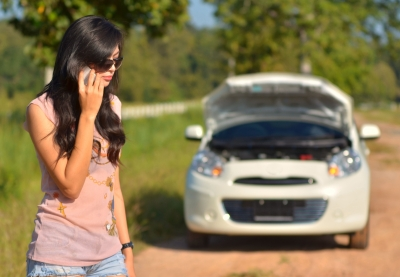 Young drivers should keep their roadside assistance number in their mobiles!
