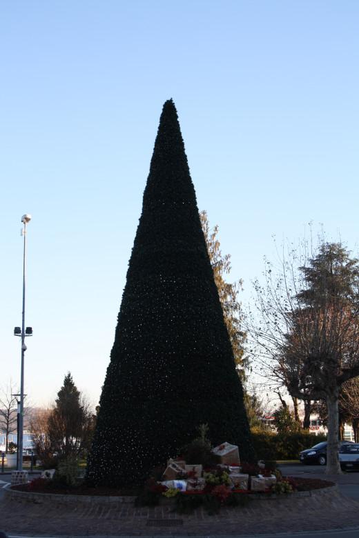 Christmas 2012 decoration, Arona Lake Promenade, Lago Maggiore, Italy
