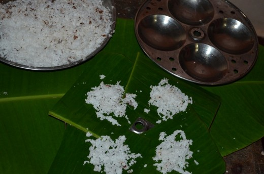 Make coconut scrappings ready for use.